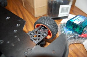 """You can see the cracked plastic """"C"""" bracket here. (Click for larger version.)"""